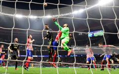 Derrota no regresso a Madrid
