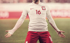 Ídolo nacional, Kuba retorna à Polônia para jogar de graça