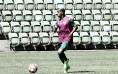 Recuperado de lesão, meia Matheusinho ressalta valor da pré-temporada no América-MG