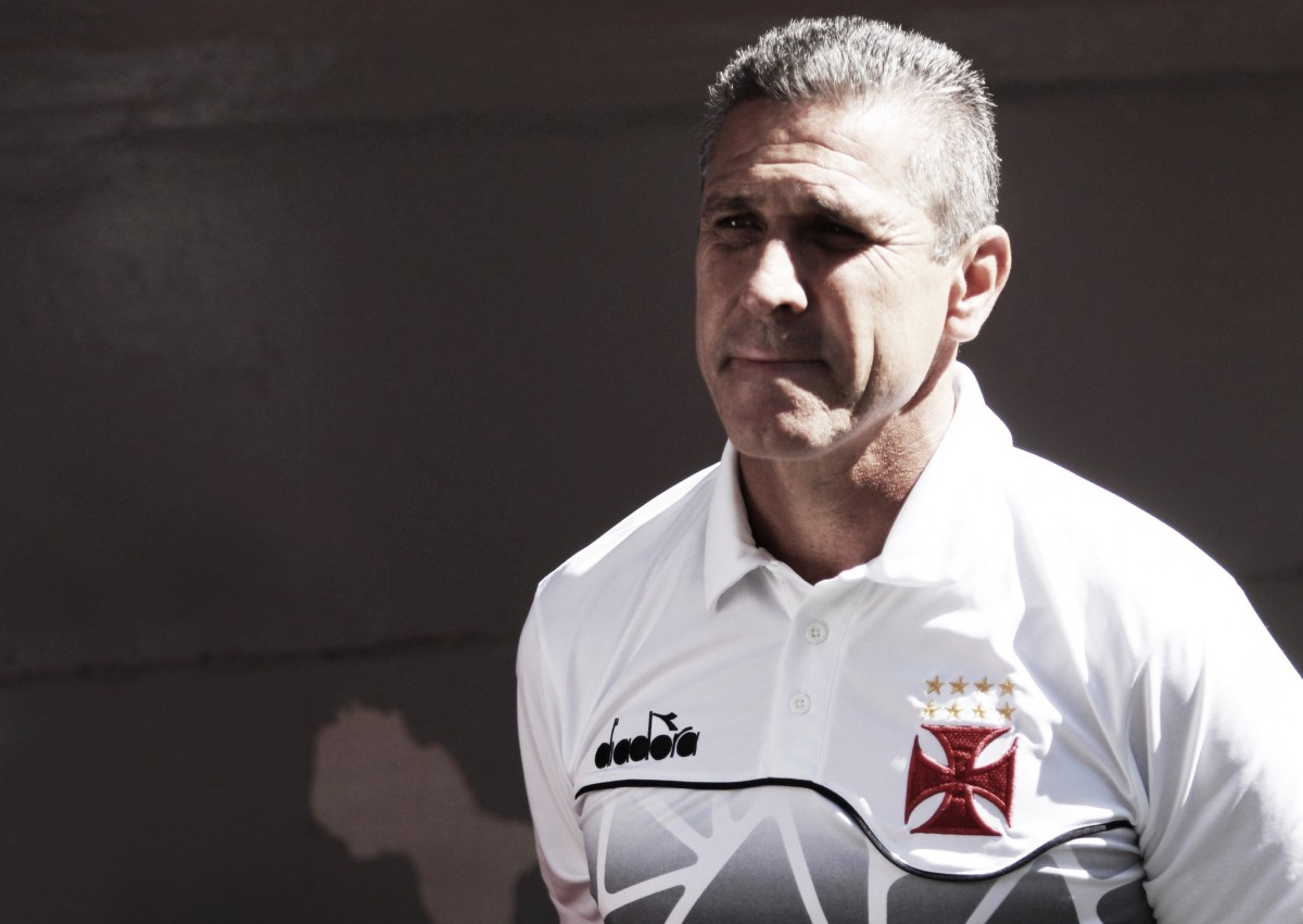 """Jorginho alerta sobre falta de atenção do Vasco em derrota: """"Basicamente um apagão"""""""