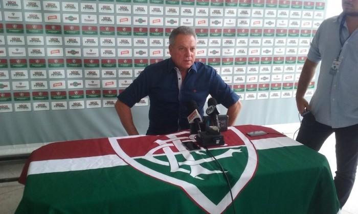 """Abel Braga teme lesões por conta de calendário apertado: """"É a grande preocupação"""""""