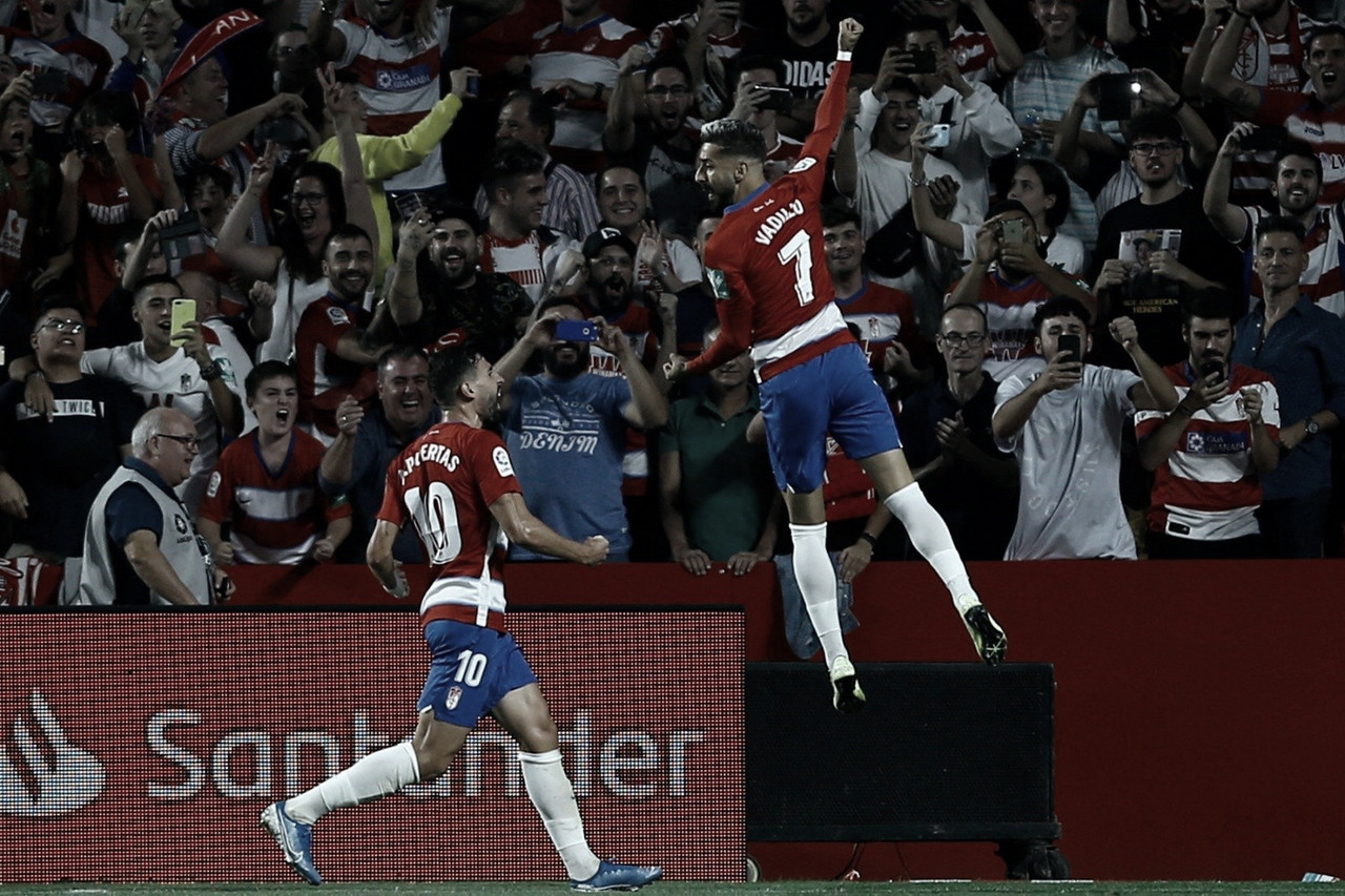 Com direito a gol relâmpago, Granada bate Barcelona e vira líder do Espanhol