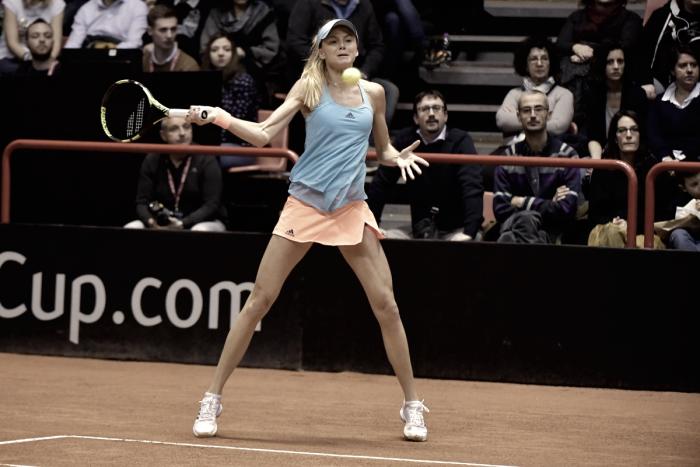 Fed Cup: Daniela Hantuchova overcomes a struggling Sara Errani to give Slovakia the lead