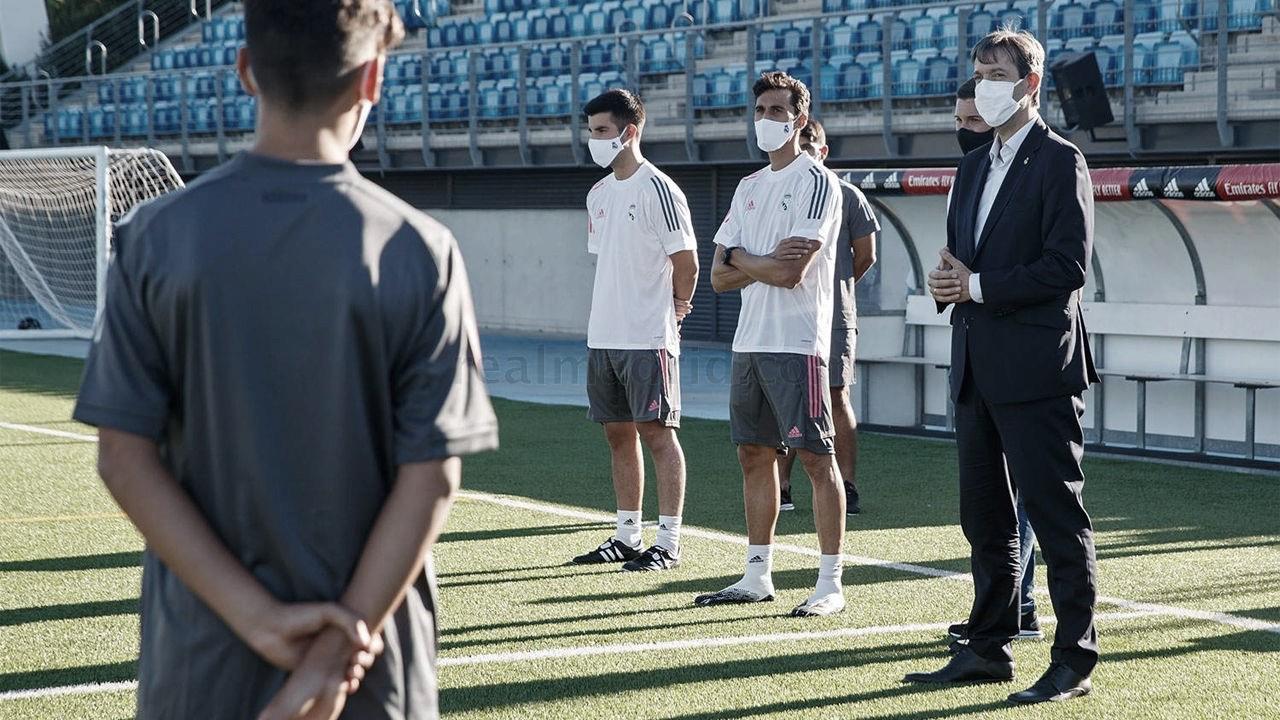 Álvaro Arbeloa, durante su primer entrenamiento como técnico del Infantil A | Fuente: www.realmadrid.com