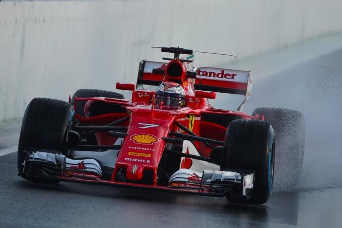 Test F1 - Raikkonen guida il gruppo, mentre la Mercedes va K.O