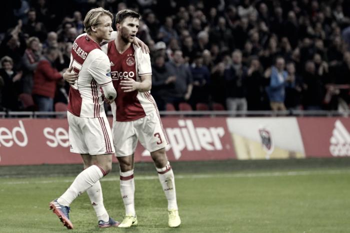 El Ajax sigue buscando al Feyenoord