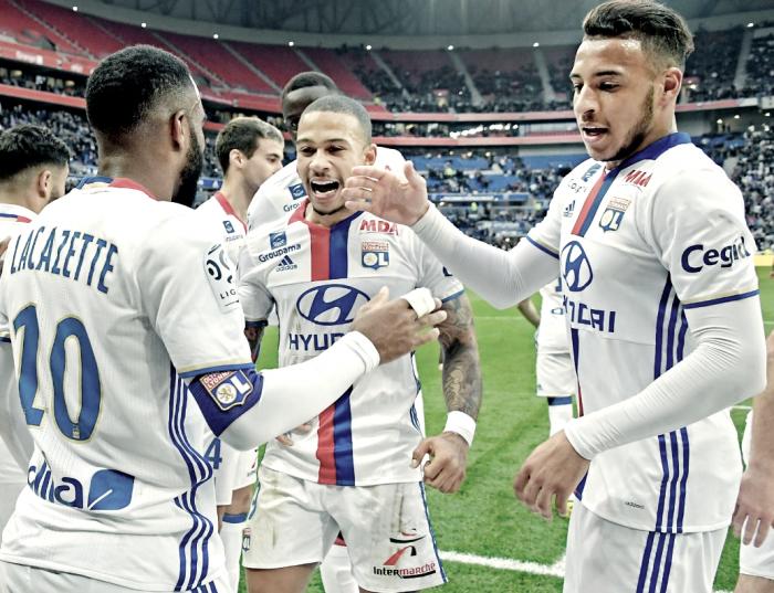 La domenica di Ligue 1 - pokerissimo del Lione sul Metz. Cade il Saint-Etienne