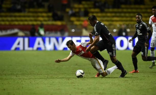 Lyon arrache le nul à Monaco en supériorité numérique
