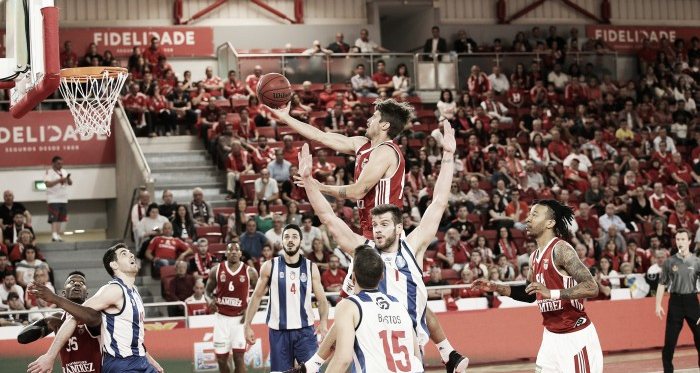 Benfica vence clássico frente ao Porto   Imagem: fpb.pt
