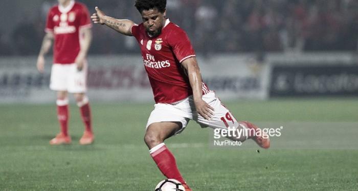 Eliseu renova com o Benfica.