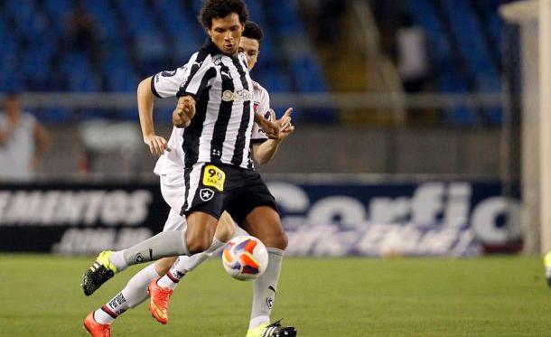 """Willian Arão esclarece mal entendido com o vice de estádios:""""Não tive problema com ninguém"""""""