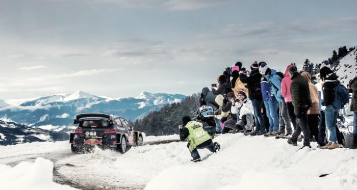 Oiger a bordo del Ford Fiesta WRC // vía:wrc.com
