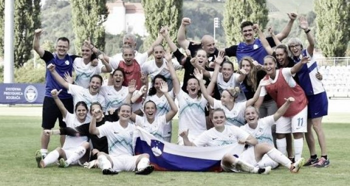 Slovenia celebrate their qualification. (Photo: NZS / FA Slovenia)