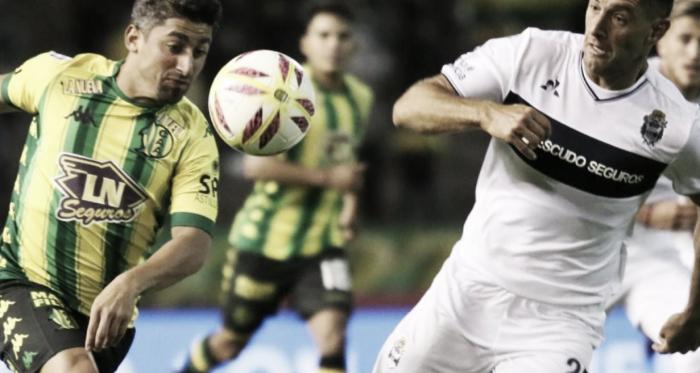 Matías Pisano y Lucas Licht frente a frente por la pelota, el último enfrentamiento en La Feliz fue 0 a 0.