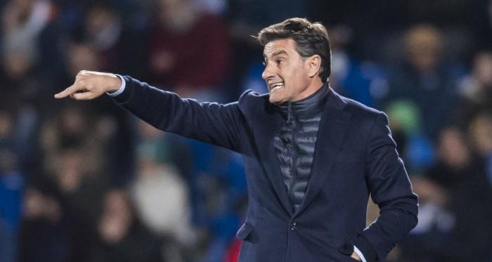 Míchel dirigiendo a su equipo durante un partido   Fotografía: LaLiga