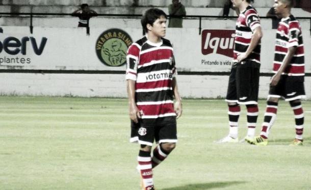 Renatinho fala sobre gol de letra e ressalta o trabalho de Sérgio Guedes