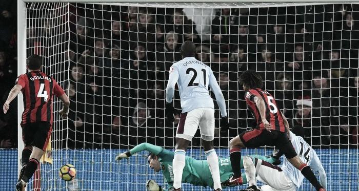 Premier League - Disastro Begovic, il West Ham fa 3-3 al Vitality. Stoke, 1-1 ad Huddersfield; 0-0 in WBA-Everton