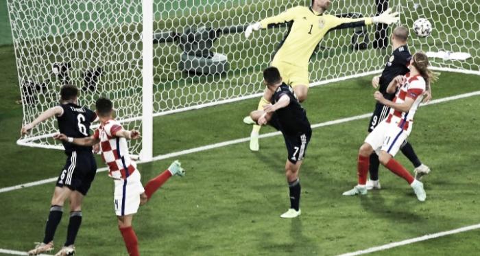 Croácia bate Escócia e confirma vaga nas oitavas da Eurocopa