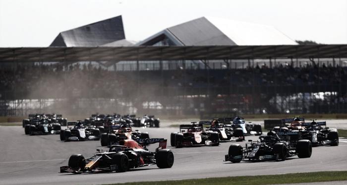 """Verstappen vence Sprint Race, crava pole e conta sensação sobre o novo formato: """"Foi diferente"""""""