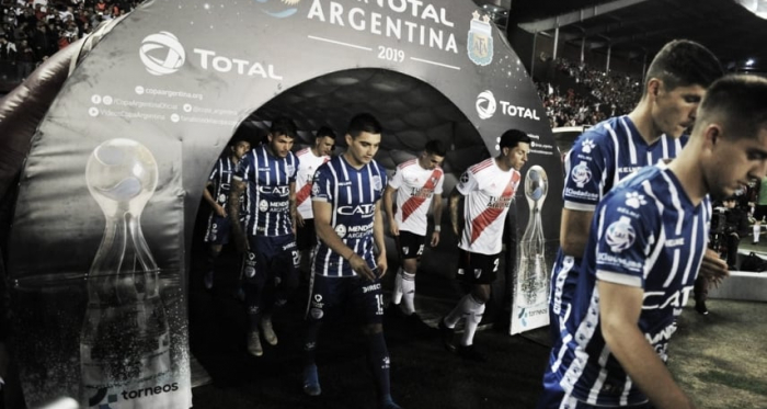 """Las experiencias del """"Tomba"""" en octavos de Copa Argentina"""