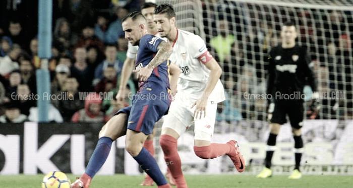 El Barcelona vence en la noche de Paco Alcácer