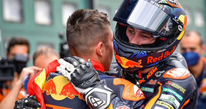 Remy Gardner y Raúl Fernández se suben a una MotoGP