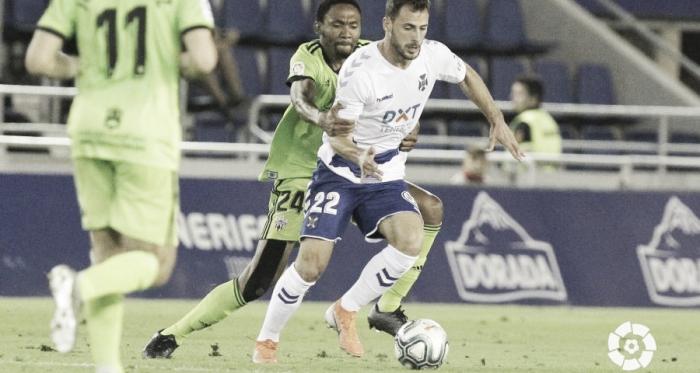 Lucien Owona capitaneó en Tenerife a una UD Almería mayúscula. Fuente: LFP