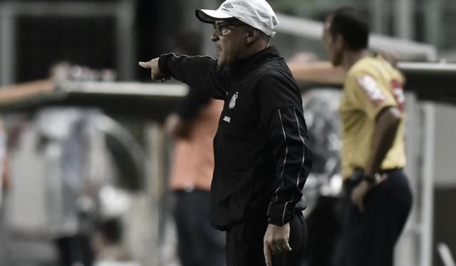 """Jorge Desio, auxiliar de Sampaoli, valoriza empate do Santos: """"Não é um resultado para lamentar"""""""