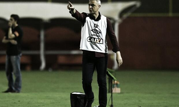Treinador Atleticano quer que a equipe mantenha o nível de atenção (Miguel Locatelli / Atlético-PR)