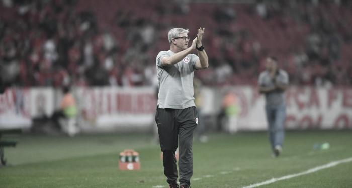 """Odair Hellmann valoriza vitória do Internacional sobre o Bahia: """"Fomos inteligentes"""""""