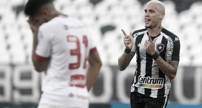 Botafogo vence o Náutico e embala de vez na Série B