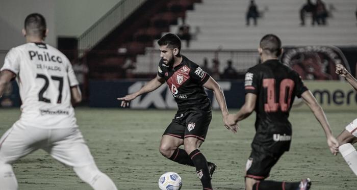 Melhores momentos de Atlético-GO x Atlético-MG pelo Campeonato Brasileiro (2-1)