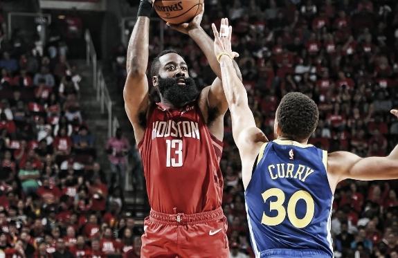 """<figcaption class=""""image_caption_news"""">(Foto: Reprodução/Houston Rockets)</figcaption>"""