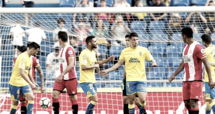 La UD Las Palmas se despide de la peor manera