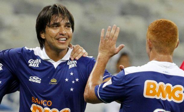Moreno faz dois e pede vaga entre os titulares da Libertadores
