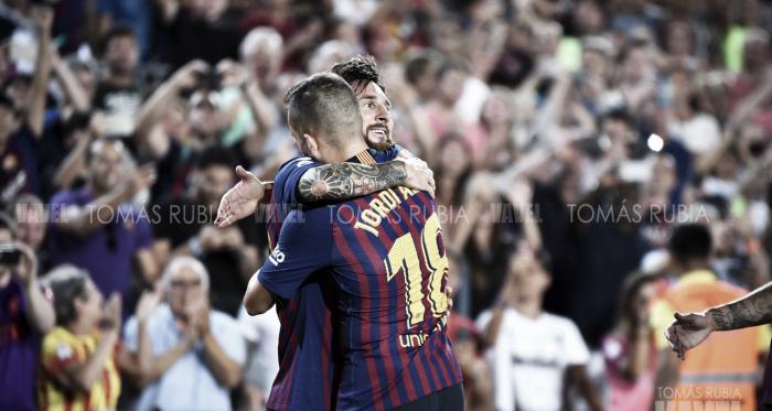 Jordi Alba y Leo Messi ante el Deportivo Alavés | Foto de Tomás Rubia, VAVEL