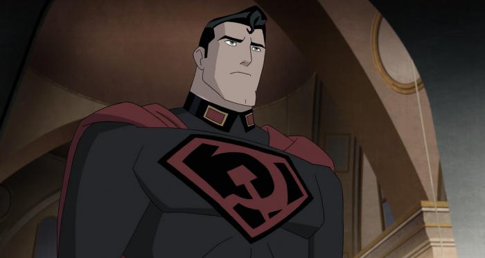 Primera imagen de la cinta en que DC adaptará la historia del 'Hijo Rojo'. En lugar de la S, en el pecho del superhéroe se observa el logo de laUnión Soviética. ImagenCortesía de TVInsider