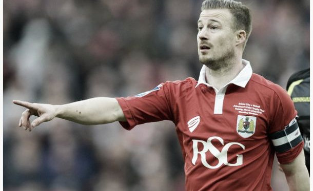 Bristol City captain Wade Elliott retires