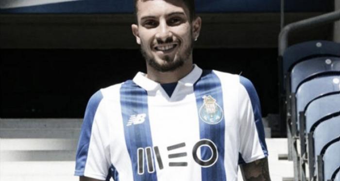Alex Telles chega do Galatasaray (Foto: foxsports.com.br)