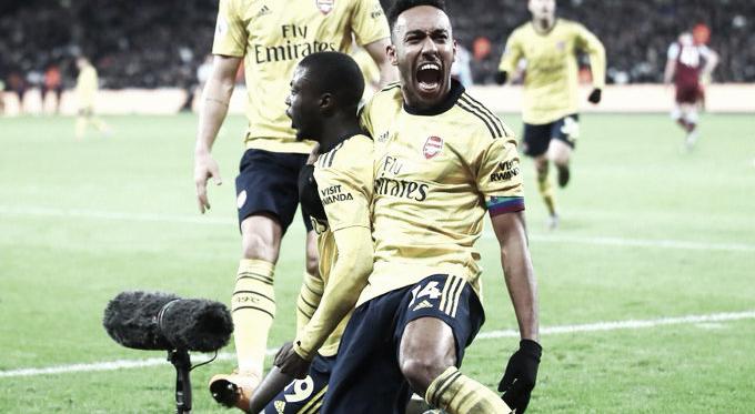 Los jugadores del Arsenal celebran el gol de Pépé que remontaba el partido / Foto: @Arsenal