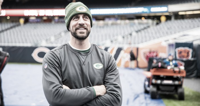 Aaron Rodgers regresa tras su lesión en el duelo ante los Panthers   Foto: NFL.com