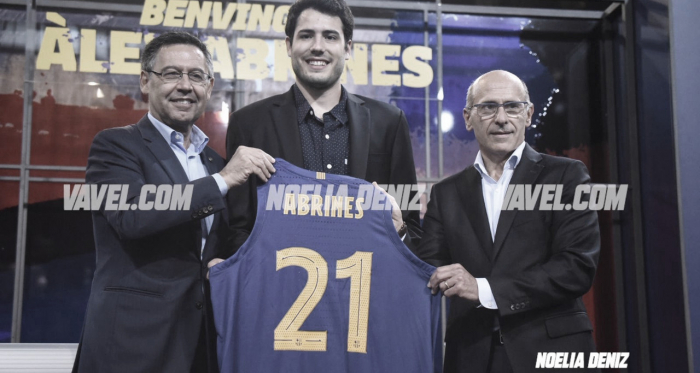 Alex Abrines vuelve a posar con al camiseta del Barça Bàsquet / Foto: Noelia Déniz (VAVEL.com)