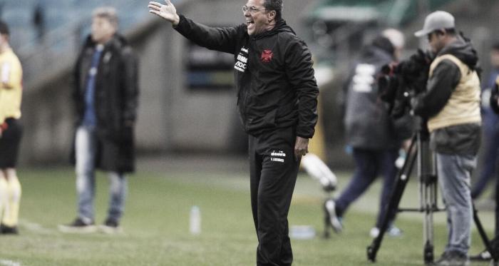 <i>Luxemburgo comanda a equipe cruzmaltina em Porto Alegre (Foto: Rafael Ribeiro/Vasco)</i>