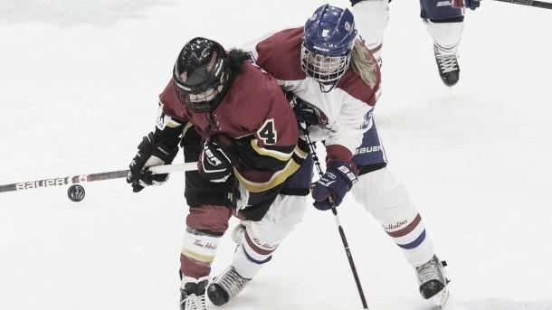 El hockey femenino quiere ser profesional (AP Images)