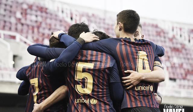 Los jugadores del Barcelona B celebrando el gol de Carles Pérez ante el Conquense | Foto: Noelia Déniz (VAVEL)