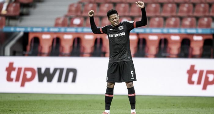 Com dois gols de Bailey, Bayer Leverkusen domina e derrota rival Colônia no Clássico do Reno