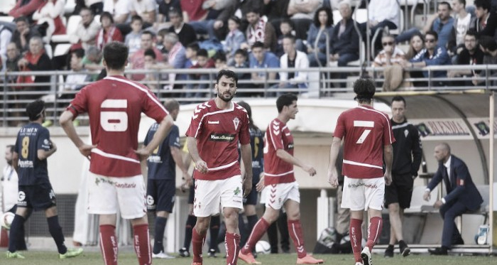 El UCAM destiñe una Murcia grana