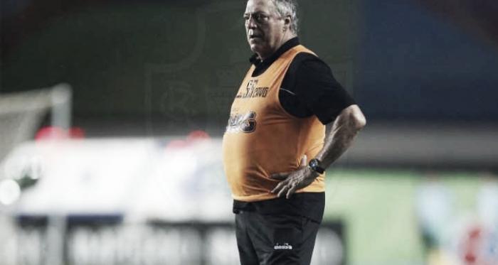 """Abel vê méritos na classificação do Vasco e ameniza empate: """"Tivemos oportunidades claras"""""""