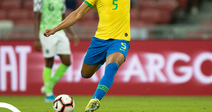Casemiro lines up a shot for Brazil (Photo credit: CBF)