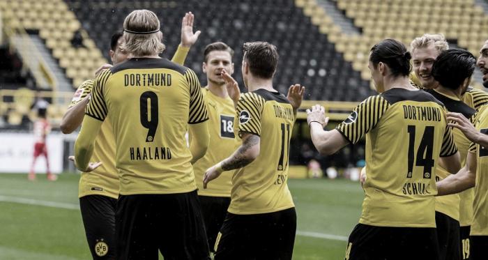 Sem dificuldades, Borussia Dortmund vence Leverkusen e fecha Bundesliga na terceira colocação